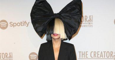 ¡Regresa con todo! Sia fija fecha de lanzamiento para álbum navideño